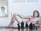Los polémicos hombres desnudos viajan a París